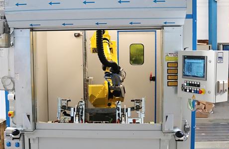 Robotická buňka pro laserové čistění svárů platformy C-class 2021